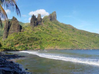 Baie de Hatiheu dans l'île de Nuku Hiva (archipel des Marquises) ILM (1)